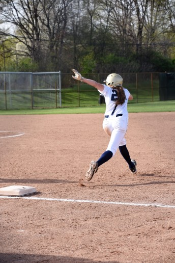 Peighton Root takes off to steal second