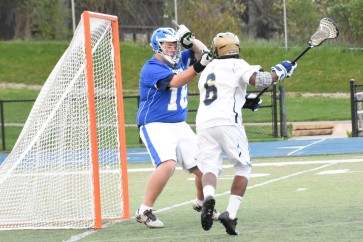 Mikal Nelson scores at point blank range
