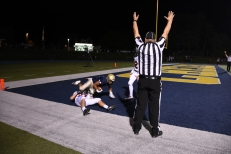 Aiden Chisholm reels in the game tying touchdown pass for the Bulldogs